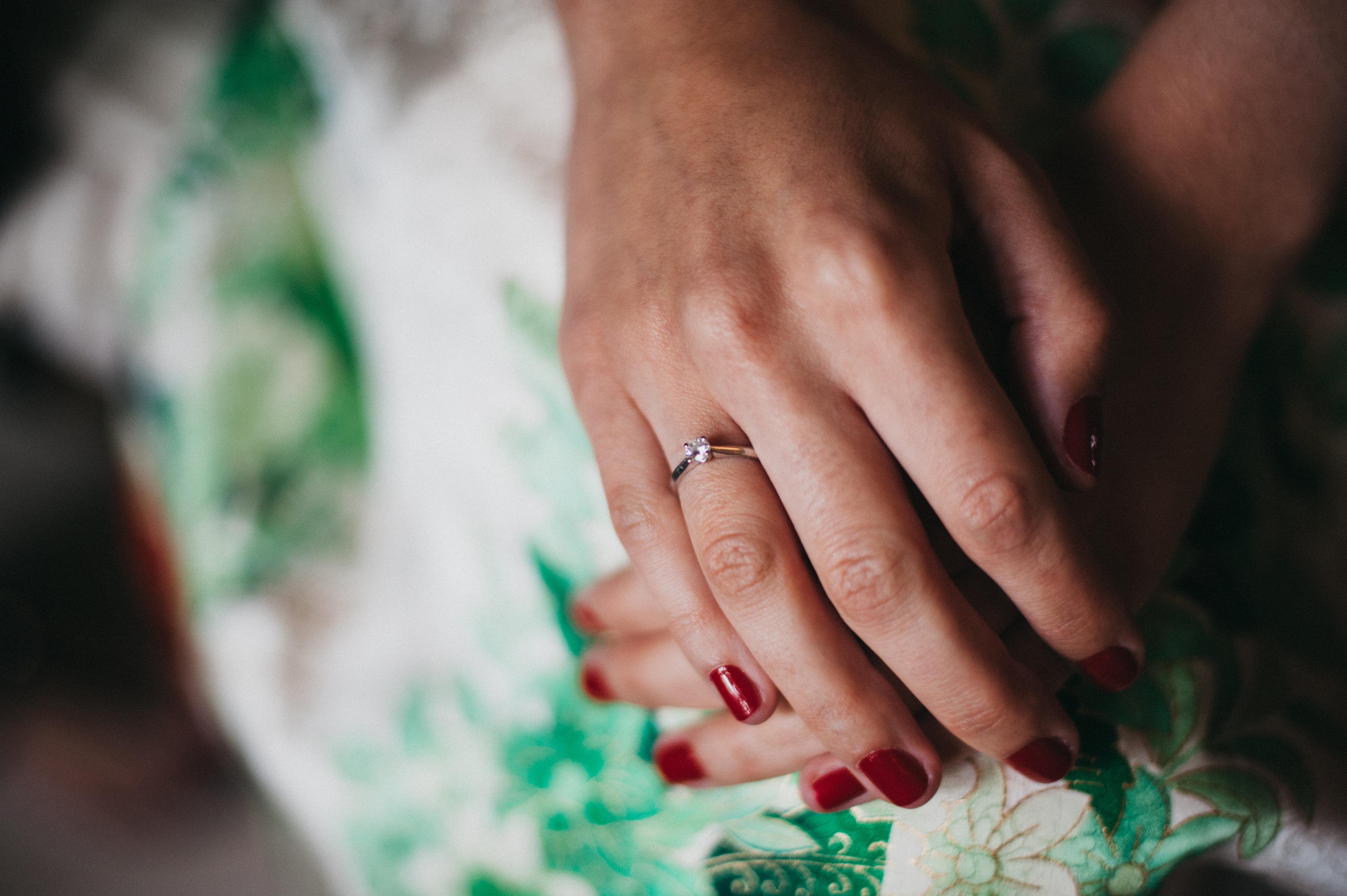 Anillo para proposición de boda romántica